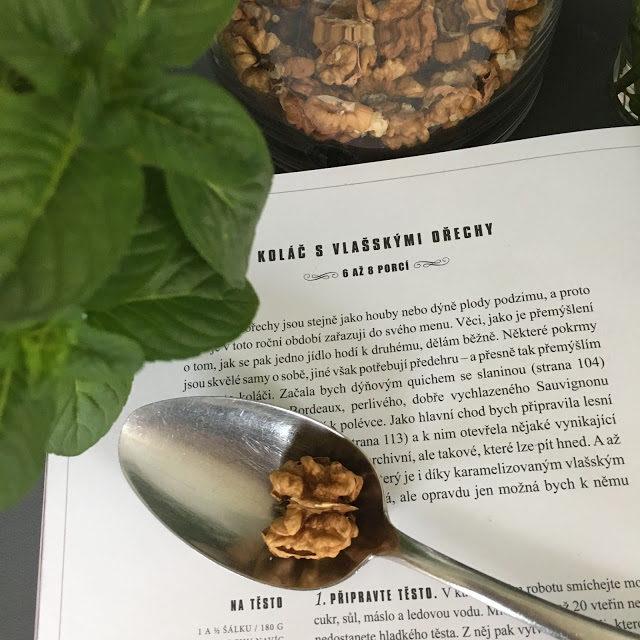 Koláč, s ořechy
