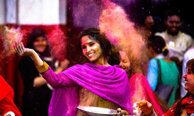 Indický svátek Hólí: Bláznivý festival barev od A do Z