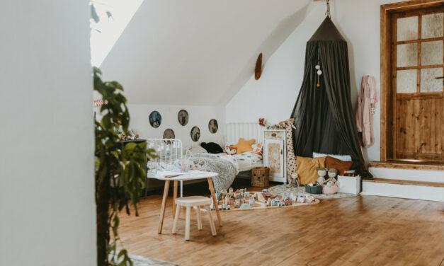 Holčičí pokoj v podkroví